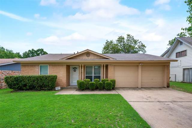 717 Ponderosa Drive, Hurst, TX 76053 (MLS #14574379) :: All Cities USA Realty