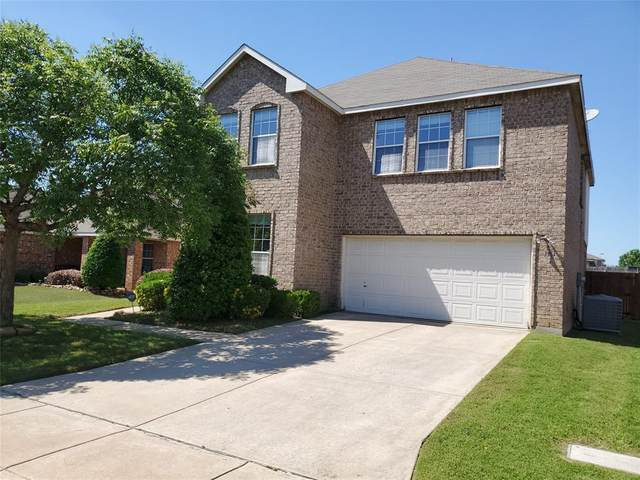 1961 Creek Crossing Drive, Fort Worth, TX 76247 (MLS #14574394) :: The Hornburg Real Estate Group