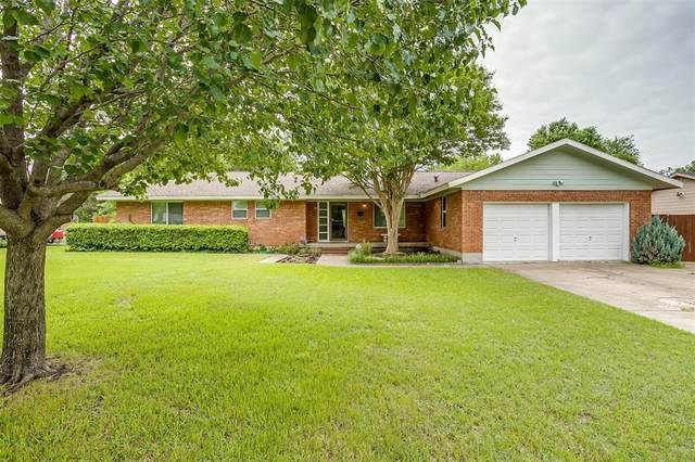 7018 Richlynn Terrace, Richland Hills, TX 76118 (MLS #14574621) :: Team Hodnett