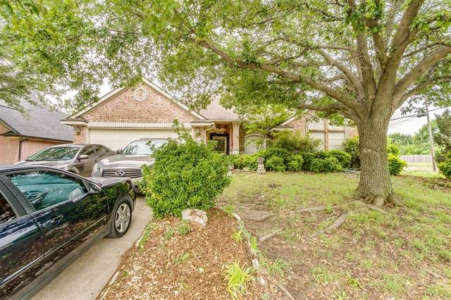 1025 Jessica Drive, Burleson, TX 76028 (MLS #14574716) :: Real Estate By Design