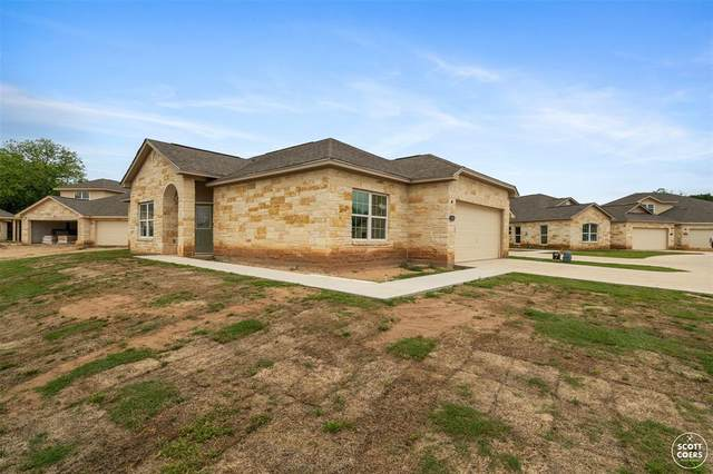 3100 Waterstone Circle, Brownwood, TX 76801 (MLS #14575351) :: The Kimberly Davis Group