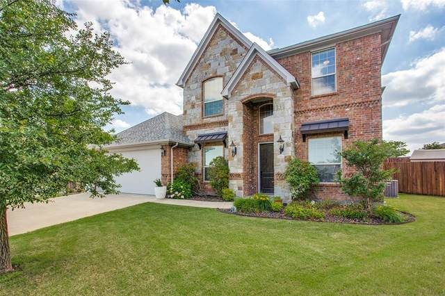 400 Blue Daze Court, Burleson, TX 76028 (MLS #14575893) :: The Mitchell Group