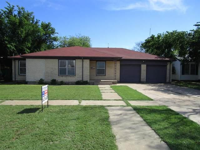 704 E Vanderbilt Street, Stamford, TX 79553 (MLS #14576153) :: Team Hodnett