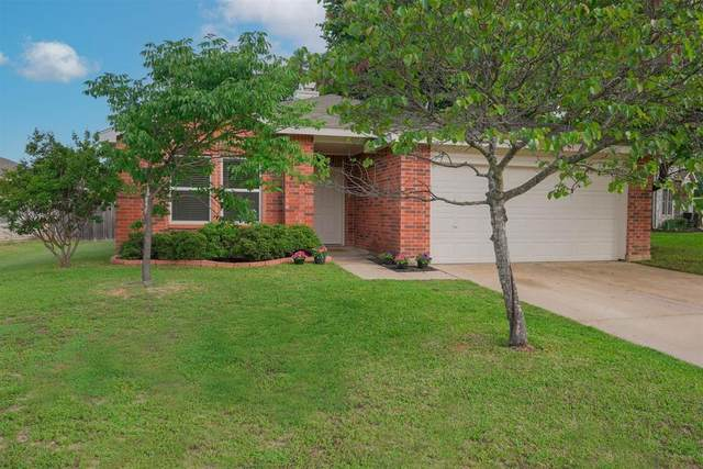 8316 Early Dawn Trail, Denton, TX 76210 (MLS #14576354) :: Real Estate By Design