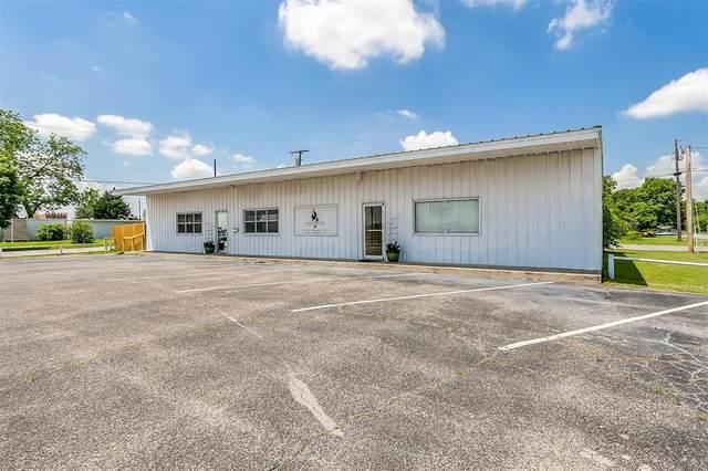 201 N Scott Street, Burleson, TX 76028 (MLS #14576448) :: Real Estate By Design