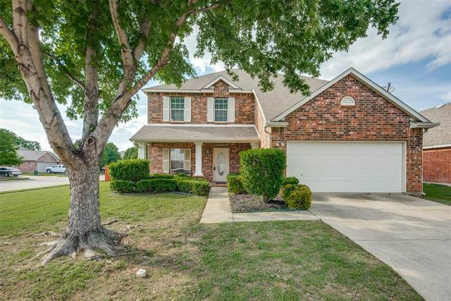 1901 Stonehill Drive, Fort Worth, TX 76247 (MLS #14576531) :: The Chad Smith Team