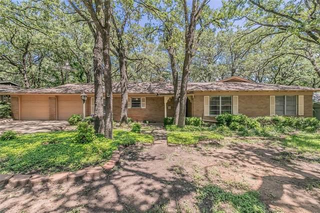 636 Ponderosa Drive, Hurst, TX 76053 (MLS #14576888) :: Front Real Estate Co.