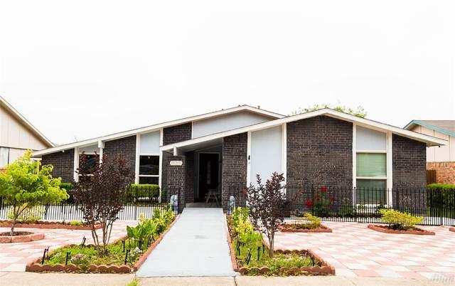 10210 Black Hickory Road, Dallas, TX 75243 (MLS #14577265) :: VIVO Realty