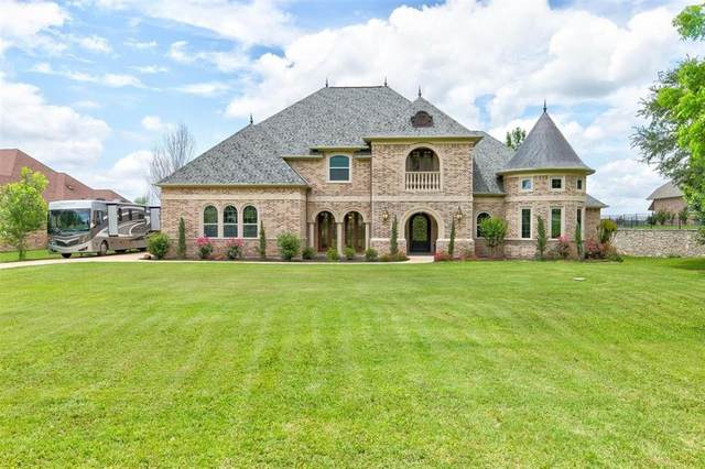 1904 W Emerald Bend Court, Granbury, TX 76049 (MLS #14577434) :: All Cities USA Realty