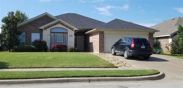 948 Winepress Road, Burleson, TX 76028 (MLS #14577625) :: The Mitchell Group