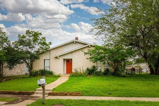 2031 Kings Road, Carrollton, TX 75007 (MLS #14577668) :: Lisa Birdsong Group | Compass