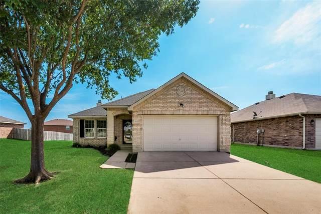 8101 Stowe Springs Lane, Arlington, TX 76002 (MLS #14577851) :: Real Estate By Design