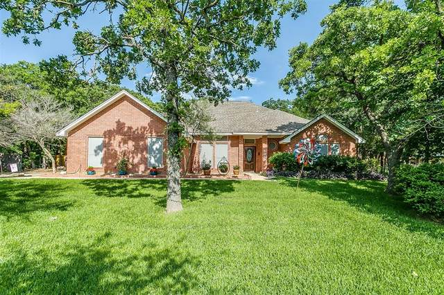 532 Forest Edge Street, Burleson, TX 76028 (MLS #14578012) :: The Mitchell Group
