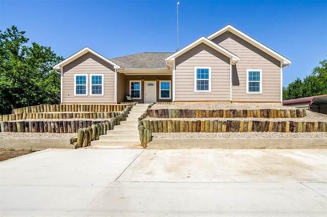 1105 Sarah Lane, Cleburne, TX 76031 (MLS #14578037) :: Jones-Papadopoulos & Co