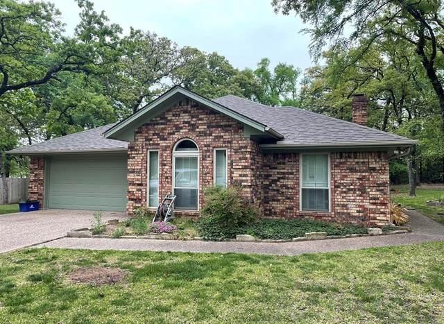 323 Comanche Drive, Lake Kiowa, TX 76240 (MLS #14579531) :: Real Estate By Design