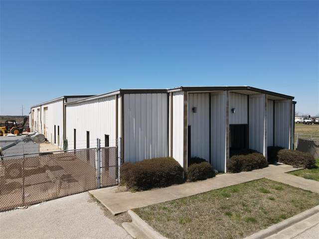 4539 N Interstate 35, Gainesville, TX 76240 (#14579876) :: Homes By Lainie Real Estate Group