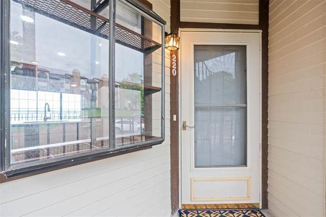 220 Henry M Chandler Drive, Rockwall, TX 75032 (MLS #14580047) :: Robbins Real Estate Group