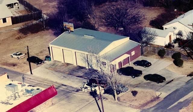 1011 Pecan Street, Sanger, TX 76266 (MLS #14580121) :: The Mauelshagen Group
