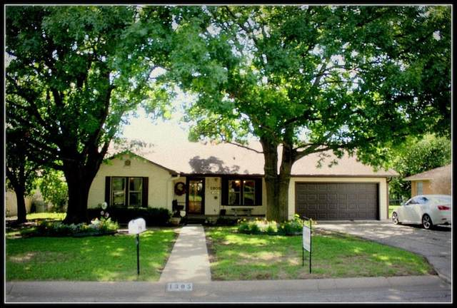 1305 Hillcrest Boulevard, Gainesville, TX 76240 (#14580247) :: Homes By Lainie Real Estate Group