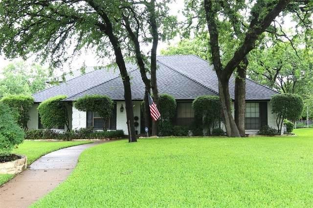 1209 Schumac Lane, Bedford, TX 76022 (MLS #14580533) :: Real Estate By Design