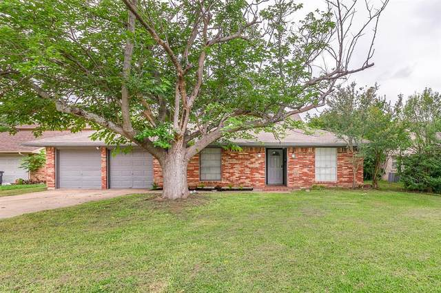 6304 Wheaton Drive, Fort Worth, TX 76133 (MLS #14581057) :: Real Estate By Design