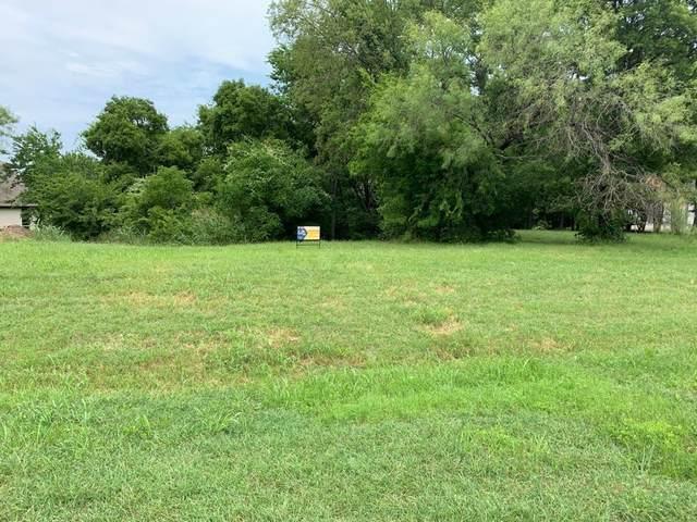 2611 Creekwood, Cedar Hill, TX 75104 (MLS #14581219) :: The Juli Black Team