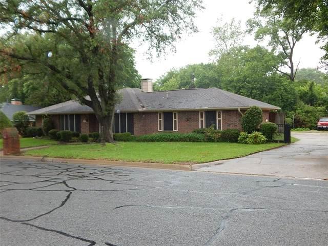 707 Briarwood Drive, Denison, TX 75020 (MLS #14581979) :: Craig Properties Group