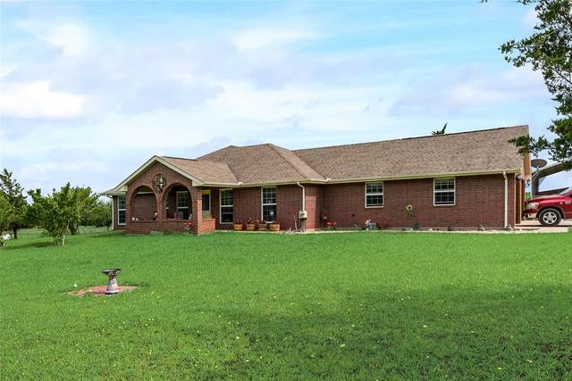 1989 County Road 4535, Whitewright, TX 75491 (MLS #14582302) :: Real Estate By Design