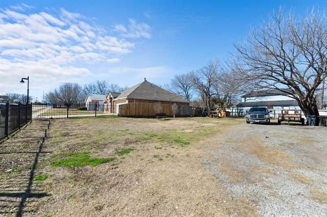 921 Bessie Street, Fort Worth, TX 76104 (MLS #14582482) :: Craig Properties Group