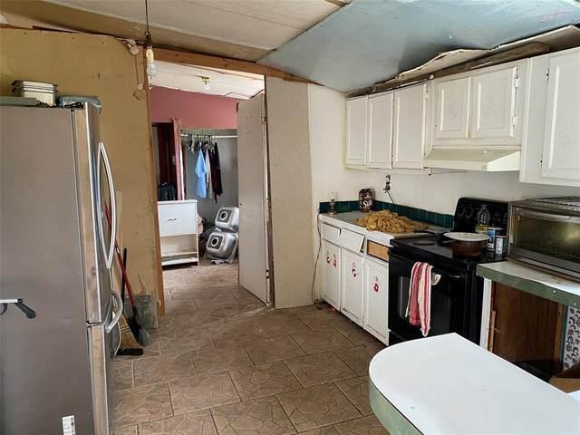 289 Coyote Trail, Rhome, TX 76078 (MLS #14582595) :: Trinity Premier Properties