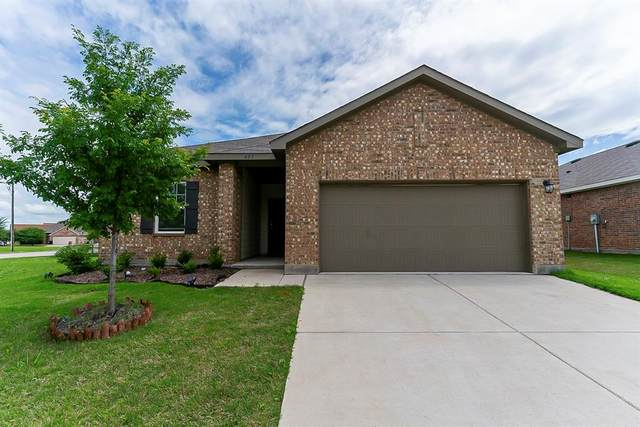 405 Waterline Drive, Crowley, TX 76036 (MLS #14582939) :: Front Real Estate Co.