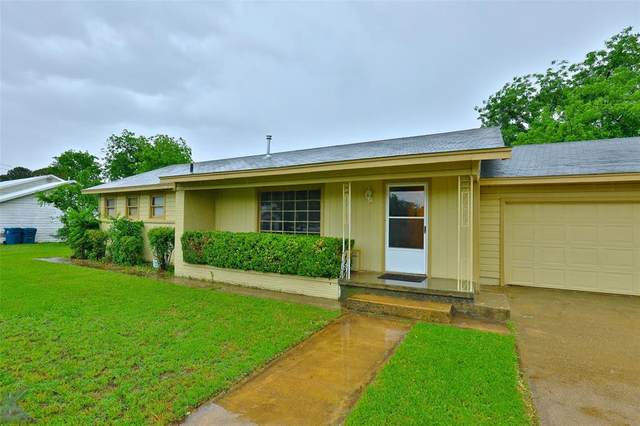 509 Tinkle Street, Winters, TX 79567 (MLS #14583486) :: Real Estate By Design