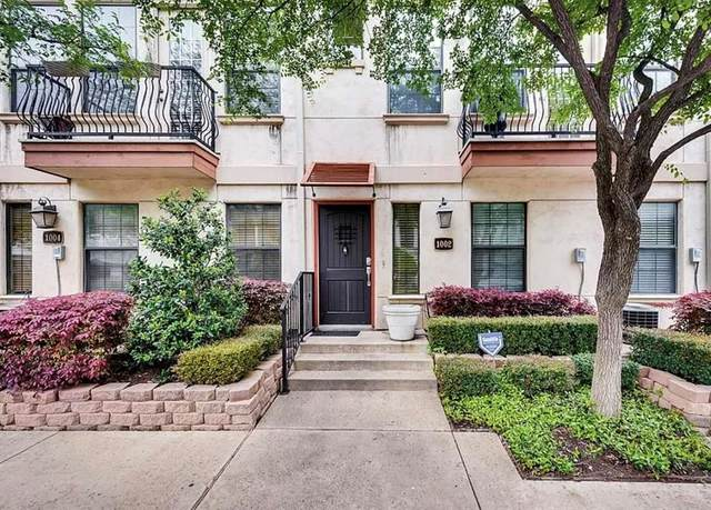 1002 Pavillion Street, Dallas, TX 75204 (MLS #14583602) :: VIVO Realty