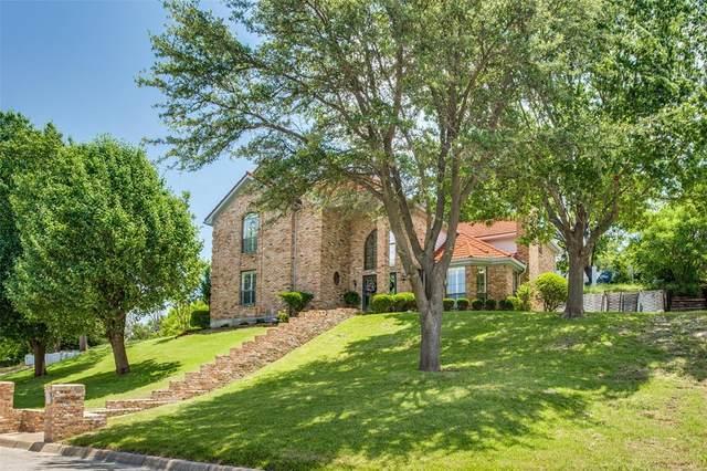 16 Thornhill Road, Benbrook, TX 76132 (MLS #14584555) :: The Hornburg Real Estate Group