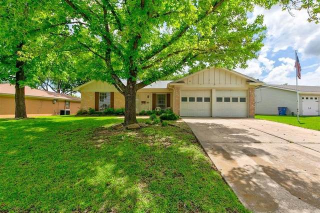 425 Linda Drive, Burleson, TX 76028 (MLS #14584798) :: Real Estate By Design
