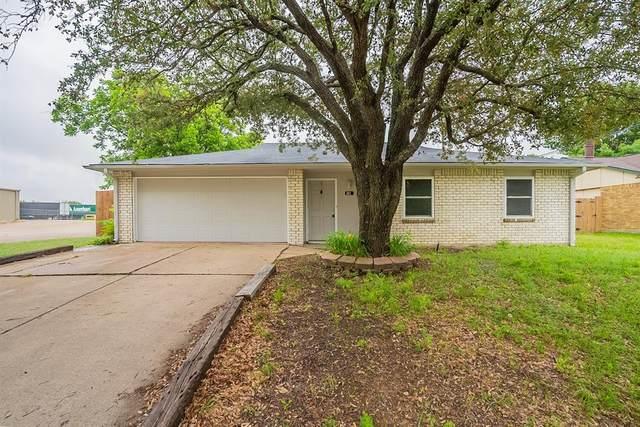 301 S Willow Street, Mansfield, TX 76063 (MLS #14585417) :: Lisa Birdsong Group | Compass