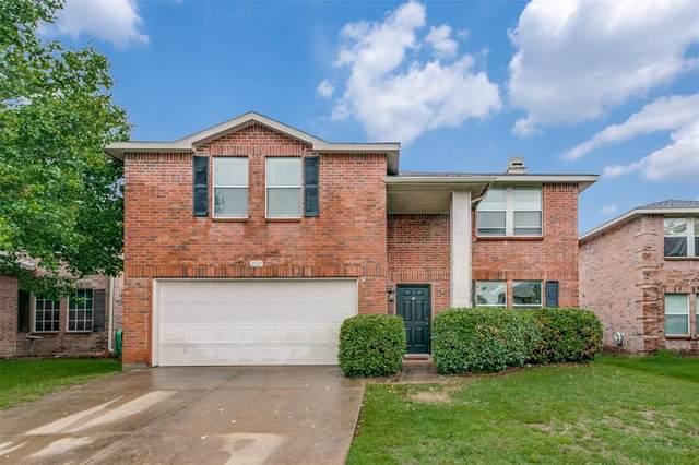 2125 Shawnee Trail, Fort Worth, TX 76247 (MLS #14585445) :: Real Estate By Design