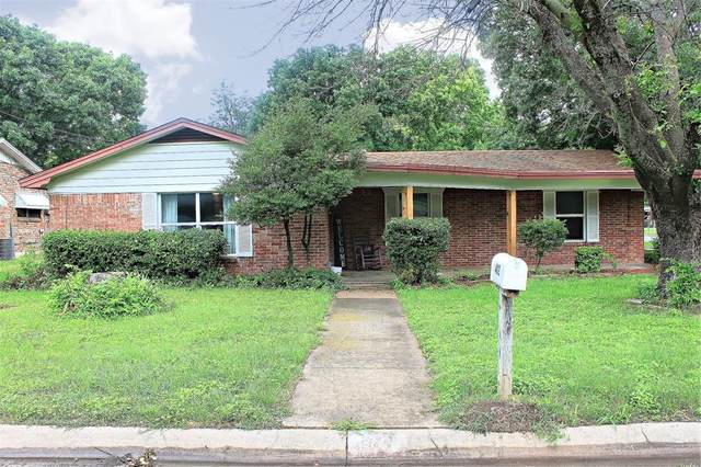 402 Myers Avenue, Cleburne, TX 76033 (MLS #14585659) :: Potts Realty Group