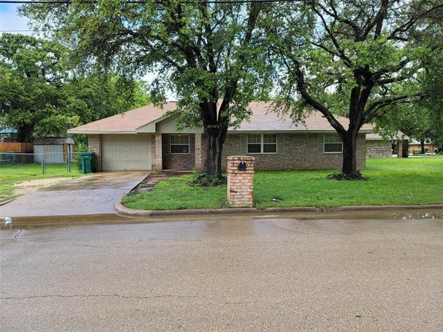 904 E Craven Avenue, Lacy Lakeview, TX 76705 (MLS #14585765) :: The Chad Smith Team