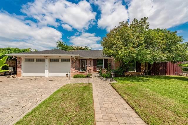 1404 High Ridge Road, Benbrook, TX 76126 (MLS #14586173) :: Potts Realty Group