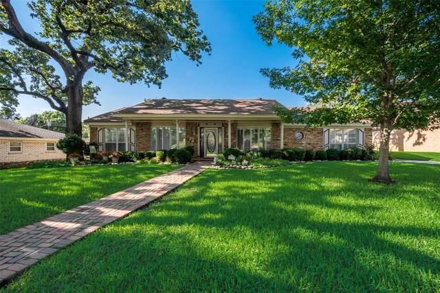 173 Shady Lake Drive, Hurst, TX 76054 (MLS #14586499) :: Front Real Estate Co.