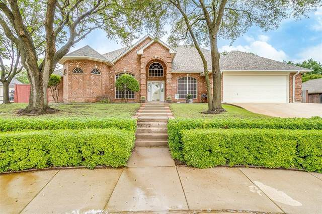 858 Copperfield Drive, Burleson, TX 76028 (MLS #14586727) :: Real Estate By Design
