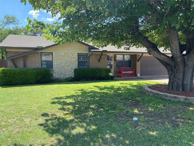 5909 Gayle Drive, Watauga, TX 76148 (MLS #14587921) :: VIVO Realty