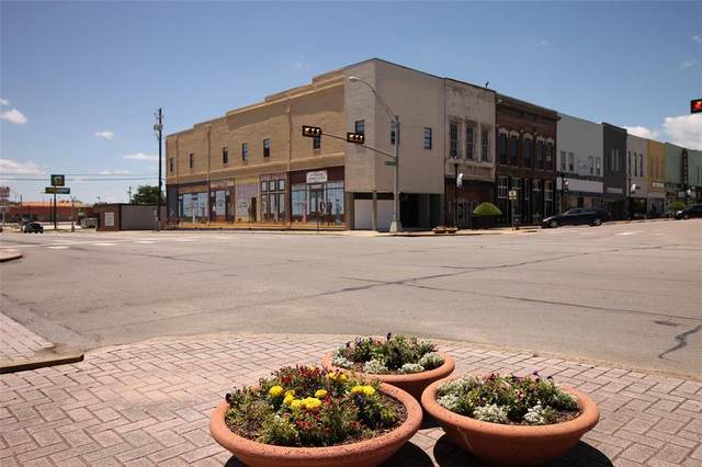 200 W Main Street, Denison, TX 75020 (MLS #14588389) :: The Russell-Rose Team
