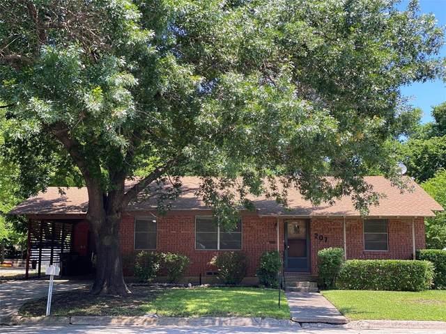 207 W Garnett Street, Gainesville, TX 76240 (MLS #14588809) :: Real Estate By Design