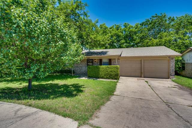 5921 Barry Drive, Watauga, TX 76148 (MLS #14589105) :: VIVO Realty