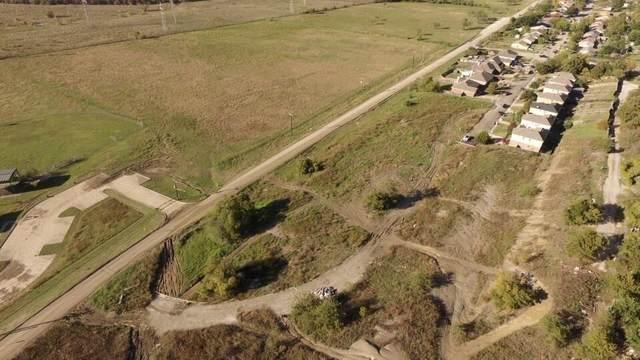 1015 Gallant Fox Drive, Dallas, TX 75211 (MLS #14589320) :: Real Estate By Design