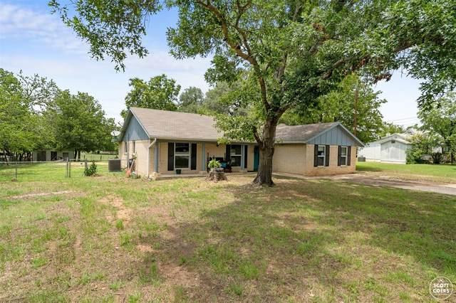 1111 Avenue W, Brownwood, TX 76801 (MLS #14589600) :: The Chad Smith Team