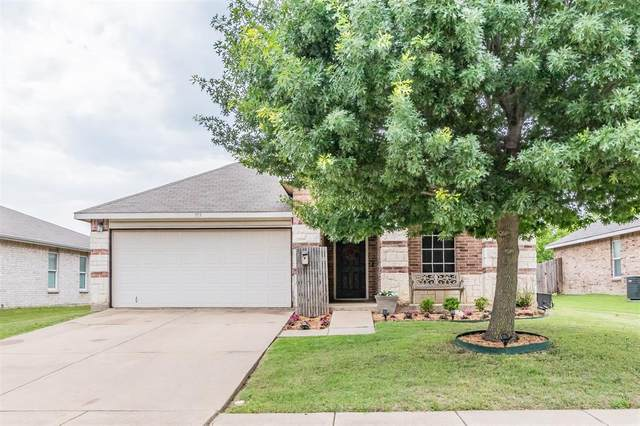 713 Wrigley Drive, Burleson, TX 76028 (MLS #14589677) :: Real Estate By Design