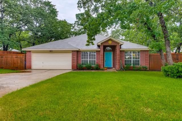 553 Dylan Court, Azle, TX 76020 (MLS #14590345) :: Real Estate By Design